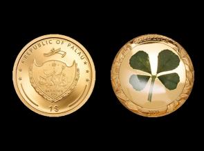 Moneda de aur cu trifoi cu patru foi natural